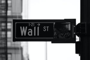 Read more about the article VTI vs QQQ: Which Is The Better ETF?